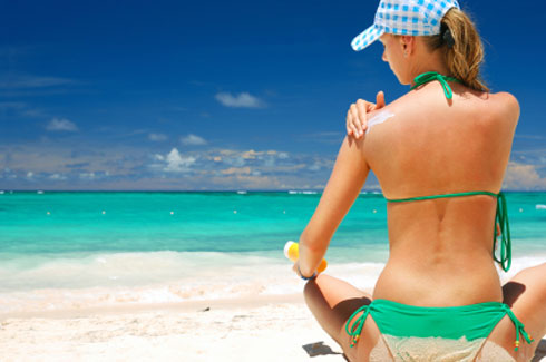 Tradimenti estivi : ecco perchè gli uomini amano tradire d'estate