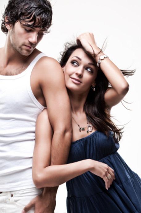 Quando una ragazza si tocca i capelli…